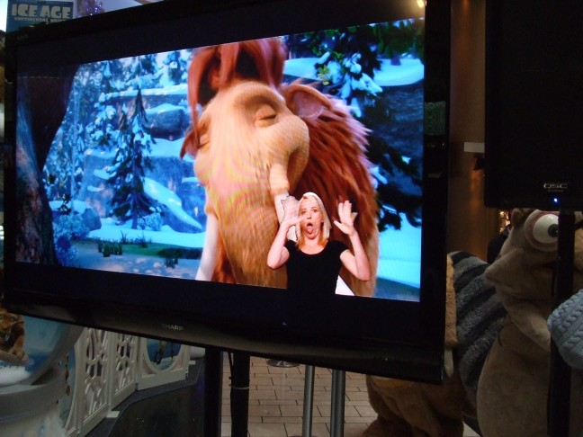 Actress Amber Zion translates verbatim in ASL on Ice Age 4: Continental Drift.